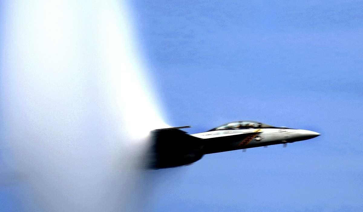 Cosa succede per velocità supersoniche del fluido?
