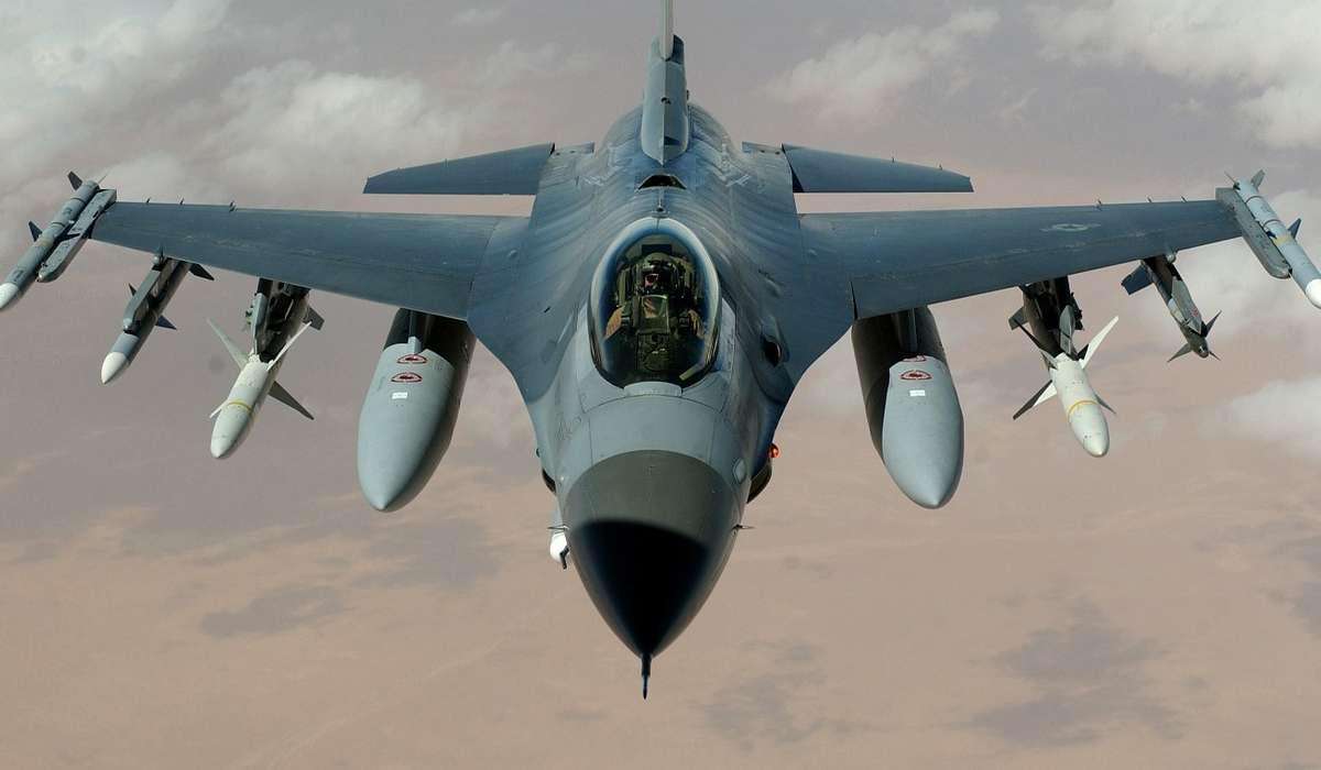 Quale aereo aveva una velocità di crociera di 0,80 Mach?