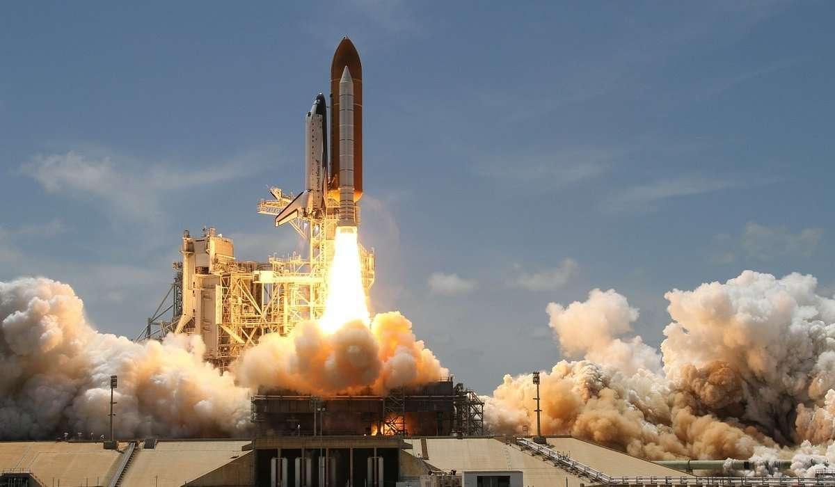 Come viene chiamato un razzo usato per portare in orbita un satellite?