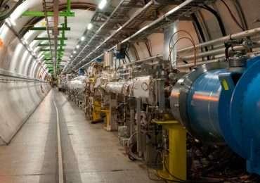 Il world wide web, LHC, bosone di Higgs, sono tutte parole che non potete perdervi se volete visitare il CERN. Stefano Meroli ci aiuterà nella scoperta di questo grandissimo labpratprio scientifico.