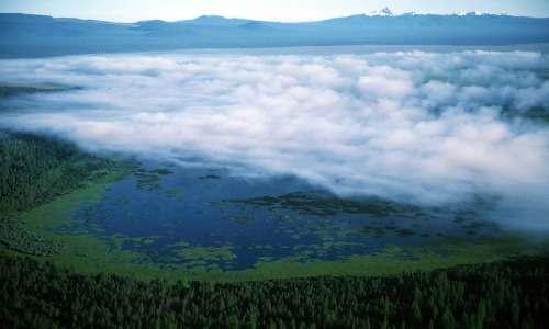 Lago dell'Oregon in cui cresce l'alga Klamath: vista dall'alto