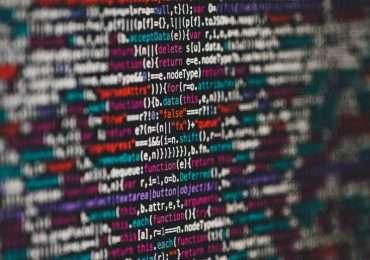 Intelligenza artificiale forte e debole in programmazione.