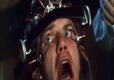 Il protagonista di Arancia Meccanica, Alex DeLarge, è affetto da sociopatia.