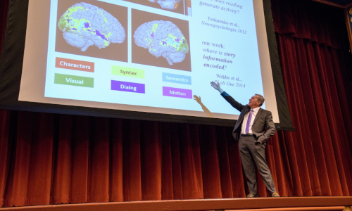 L'esperto di Machine Learning Tom Mitchell durante una presentazione allo Stevens Institute of Technology.