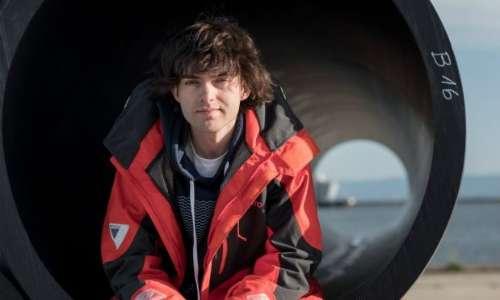 L'obiettivo dell'organizzazione no profit di Boyan Slat The Ocean Cleanup e il suo obiettivo è di ripulire gli oceani dalla plastica.