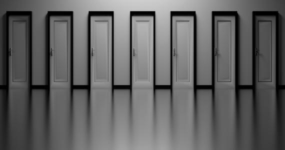 La realtà circostante e la percezione di sé stessi sono distorte nel disturbo di depersonalizzazione e derealizzazione.