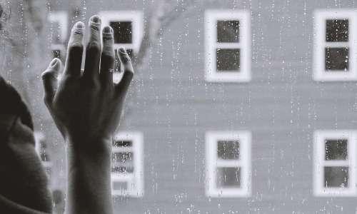 I soggetti affetti da cherofobia soffrono d'ansia all'idea di sperimentare situazioni ed emozioni potenzialmente piacevoli.