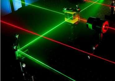 Guida ottica per tecnologia laser