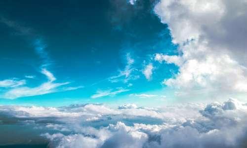 L'aerogel è blu per lo stesso motivo per cui anche il cielo lo è.