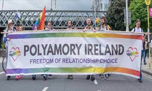 Relazioni poliamorose, le lotte per i propri diritti e la marcia del pride.