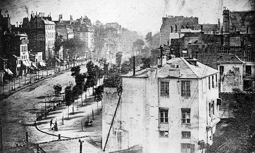 Una delle prime fotografie daguerreotipo in bianco e nero.