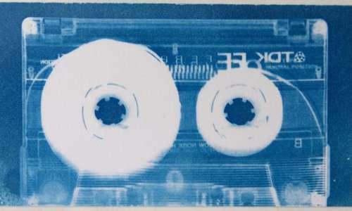 Cianografia stampa di una videocassetta in tinte di blu
