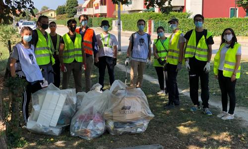 Save the Planet ha spinto molti volontari di Scorzè (VE) a ripulire una zona della propria città dai rifiuti.