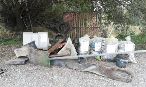 I volontari di Cremona che hanno partecipato a Save the Planet hanno raccolto anche molti rifiuti ingombranti come cartelli stradali, gomme e una rete da letto.