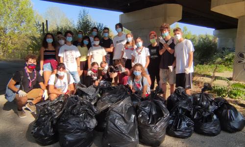I molti rifiuti raccolti dai ragazzi che hanno partecipato a Save the Planet a Pesaro.