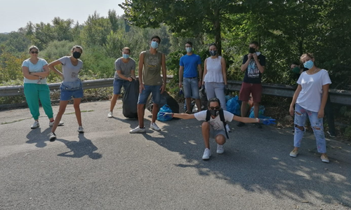 A Frosinone un nutrito gruppo di volontari ha deciso di ripulire una parte della città in occasione di Save the Planet.