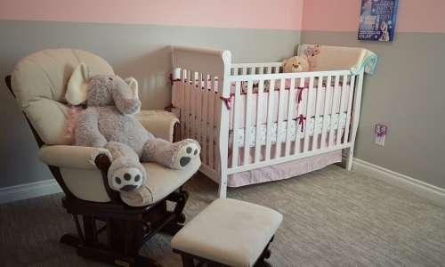 Sindrome della morte in culla: dormire insieme al bambino potrebbe essere un rischio.