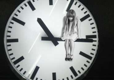 Soffrire di insonnia aumenta di due volte il rischio di avere la depressione.