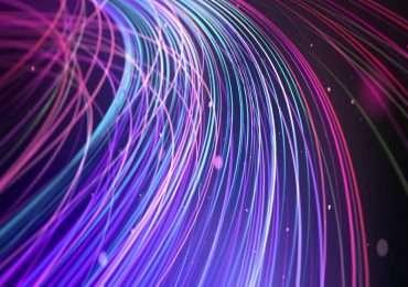 Cos'è la fibra ottica e come funziona? Capirlo è fondamentale per sviluppare applicazioni in ambiti diversi dalle telecomunicazioni.
