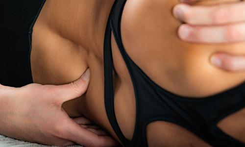 Il fisioterapista è sempre in grado di capire quando occorre scrocchiare la schiena, e quando invece potrebbe essere deleterio.