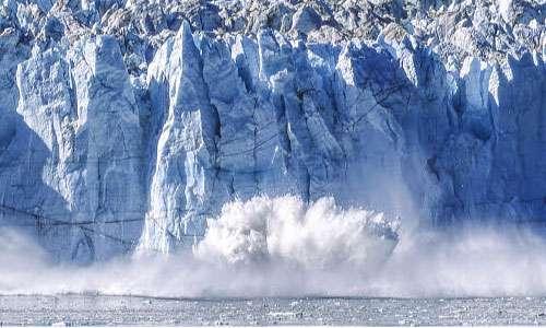 In quest'immagine è ripresa la scomposizione di una parte della calotta glaciale della Groenlandia