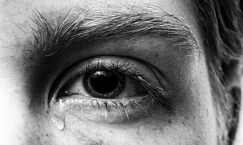 Grazie alla dissociazione dell'identità, le esperienze traumatiche delle persone con doppia personalità restano fuori dalla coscienza, come se non fossero mai accadute.