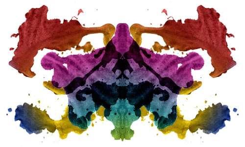 Il test di Rorschach utilizza macchie di inchiostro simmetriche