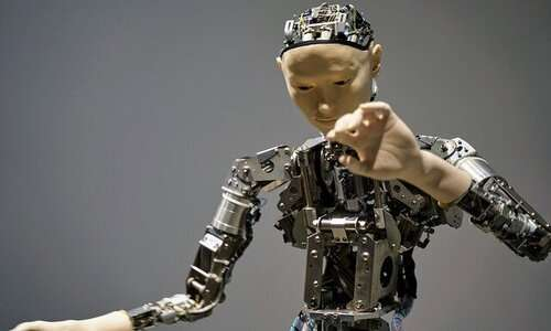 iCub è certamente uno tra i robot umanoidi italiani più famosi
