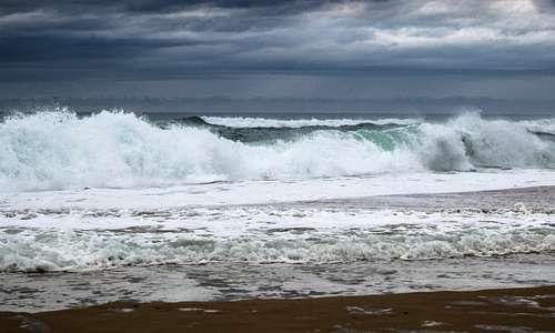 Chi è affetto dalla talassofobia potrebbe evitare a tutti i costi di fare un bagno nel mare, visto come un posto minaccioso.