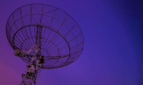 Si potrebbe rivelare un'eventuale sfera di Dyson costruita da una civiltà aliena nello Spazio con opportuni telescopi.